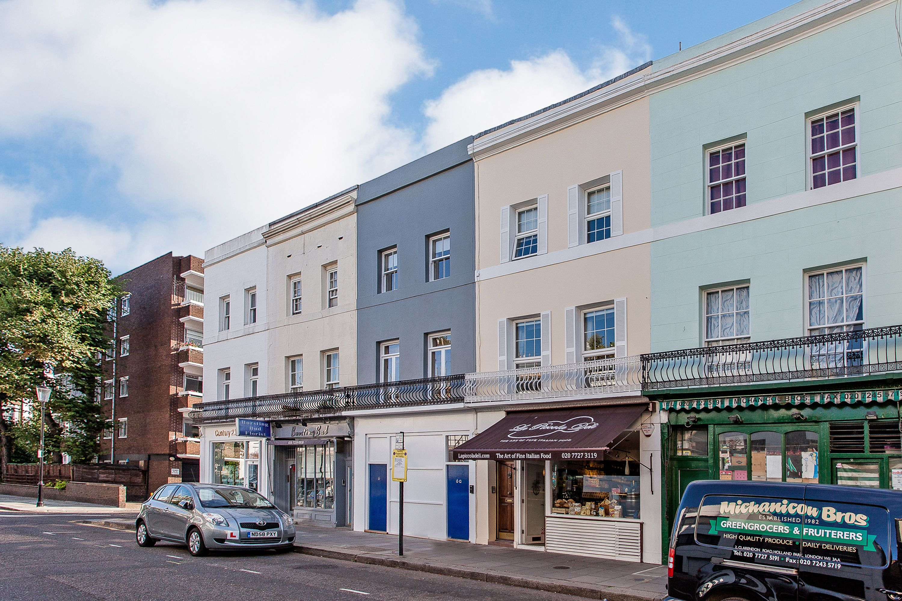 to rent Clarendon Road, Holland Park W11 3AA