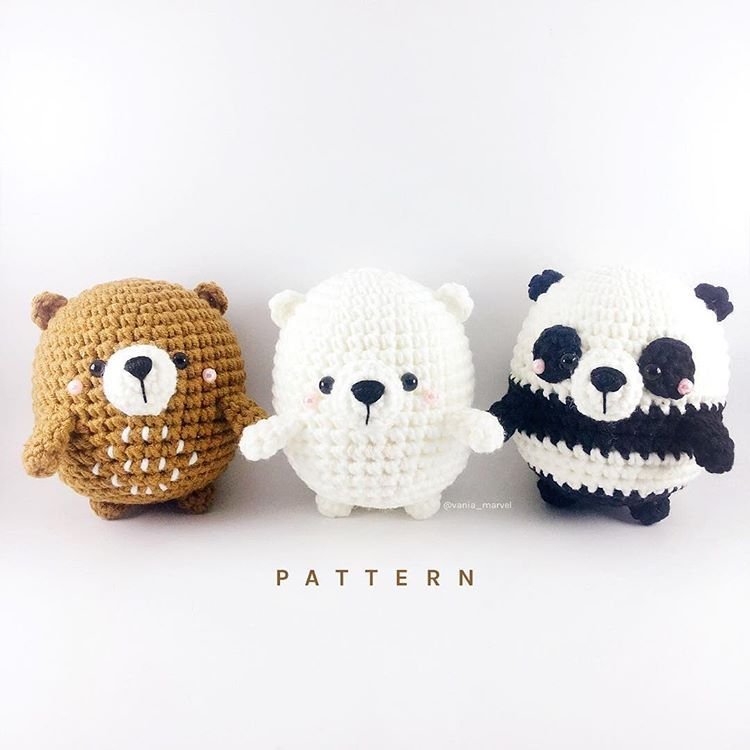 3 little bears has been added to may etsy shop :) Thankyou for everyone who has joined my workshop 😍 x @sinauw.id . . #bonekarajut #crochet…