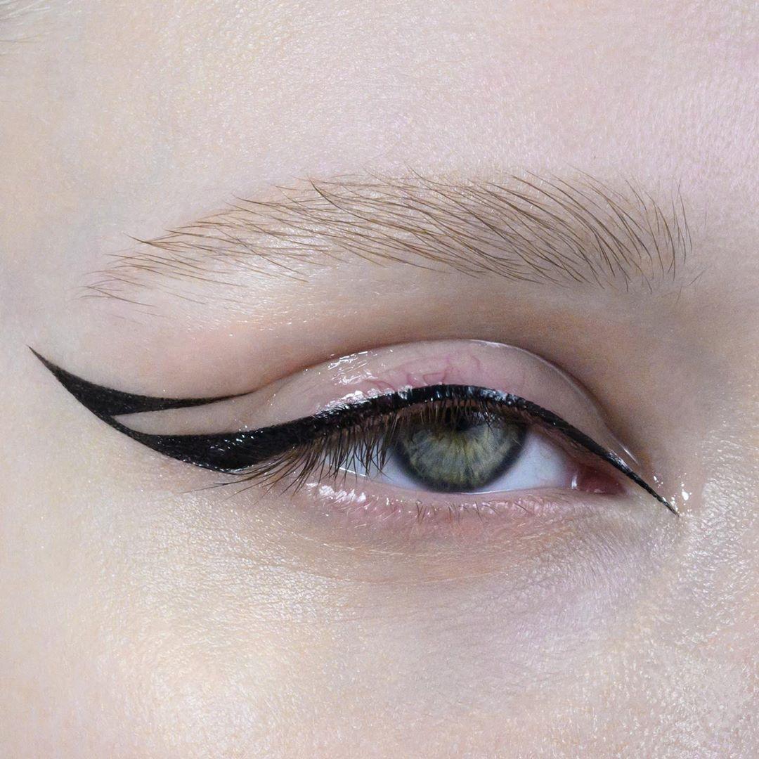 19 4k Likes 46 Comments Xenia Valevskaya Xeniavalevsky On Instagram Makeup Xeniavalevsky Liner Urbandecaycosm Fancy Makeup Makeup Looks Makeup