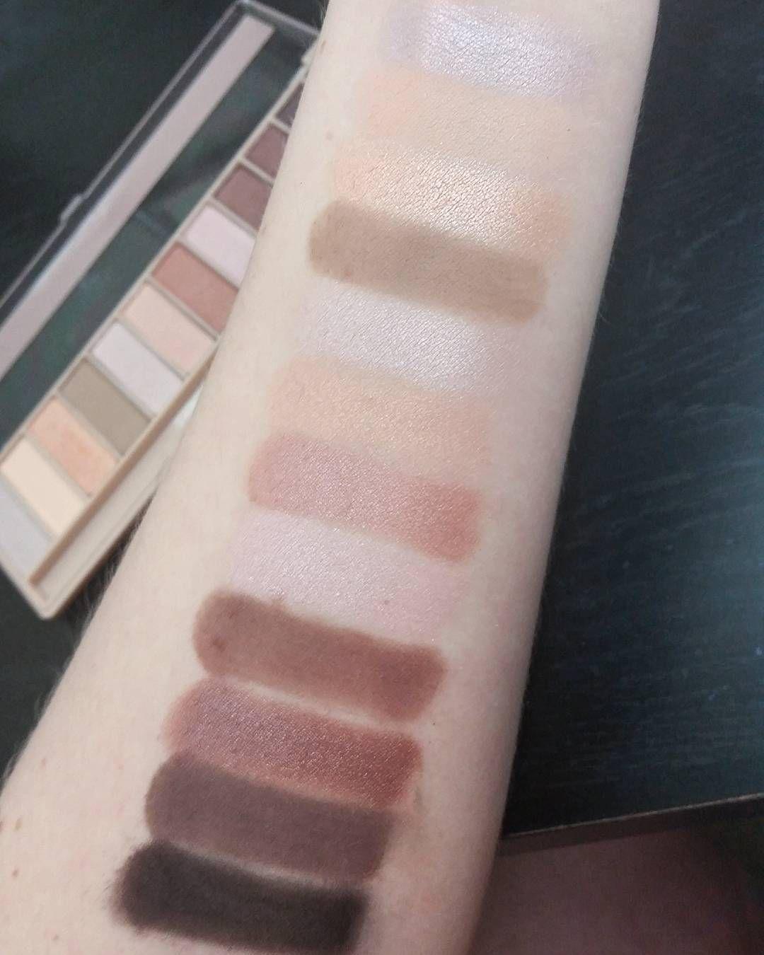 Essential Eyes 28 Color Eyeshadow Palette by BH Cosmetics #3