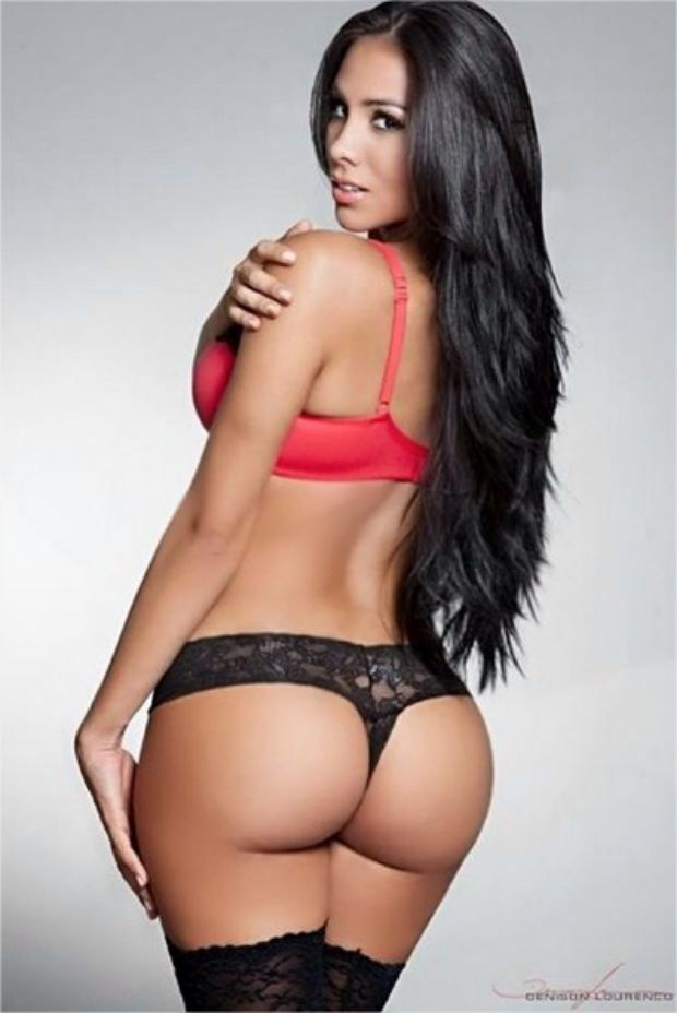 Smoking hot women with huge dildo in ass 4