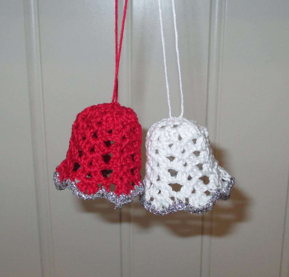 Free Crochet pattern - Christmas Bells | Christmas | Pinterest ...