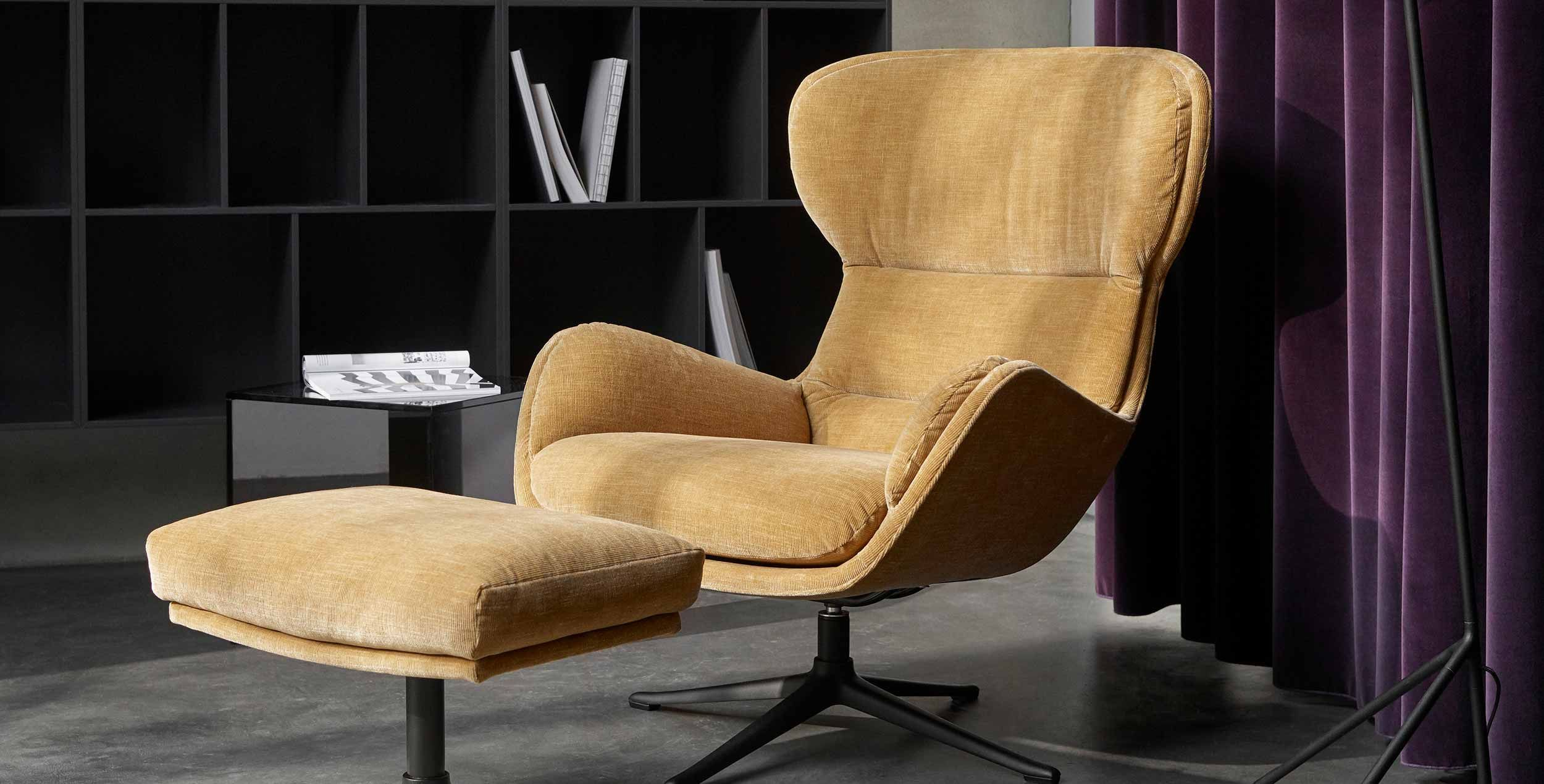 The queen or king of this set is our new Reno living chair and
