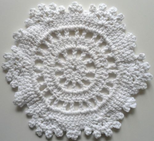 White Snowflake ~ free pattern