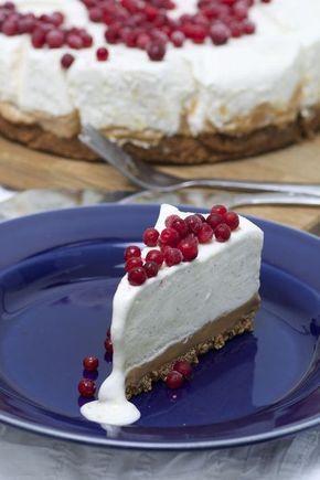 Frusen cheesecake på kola & pepparkaksbotten   Bakverk och Fikastunder