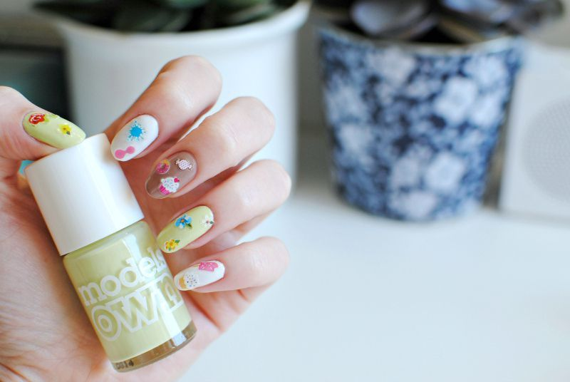 Pastel nails and stickers