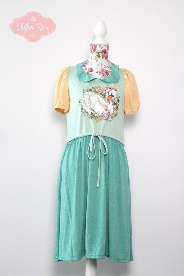 Dearli Swan Dress
