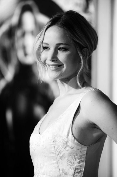 Jennifer Lawrence -  Mockingjay Part 1 Premiere - Los Angeles - 2014
