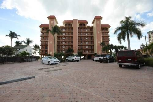 Cane Palm Unit Apartment Fort Myers Beach Florida Set 22 Km From Fort Myers And 39 Km From Naples C Beachfront Condo Condo Vacation Rentals Fort Myers Beach
