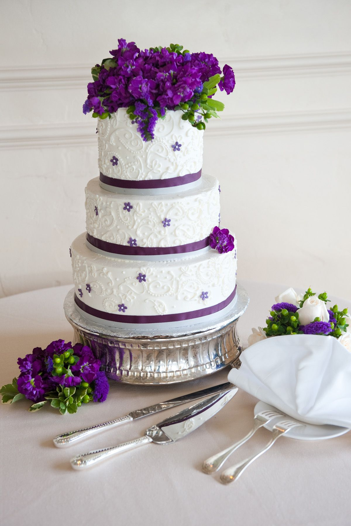 wedding cake silver ribbon white buttercream 3 tier purple ribbon silver ribbon 24552