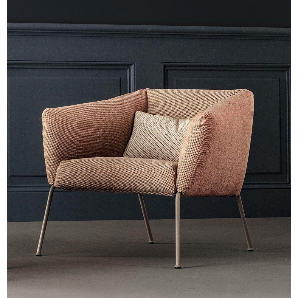 De nikos low fauteuil van sergio bicego voor bonaldo heeft een de nikos low fauteuil van sergio bicego voor bonaldo heeft een zacht en aantrekkelijk design dat parisarafo Images