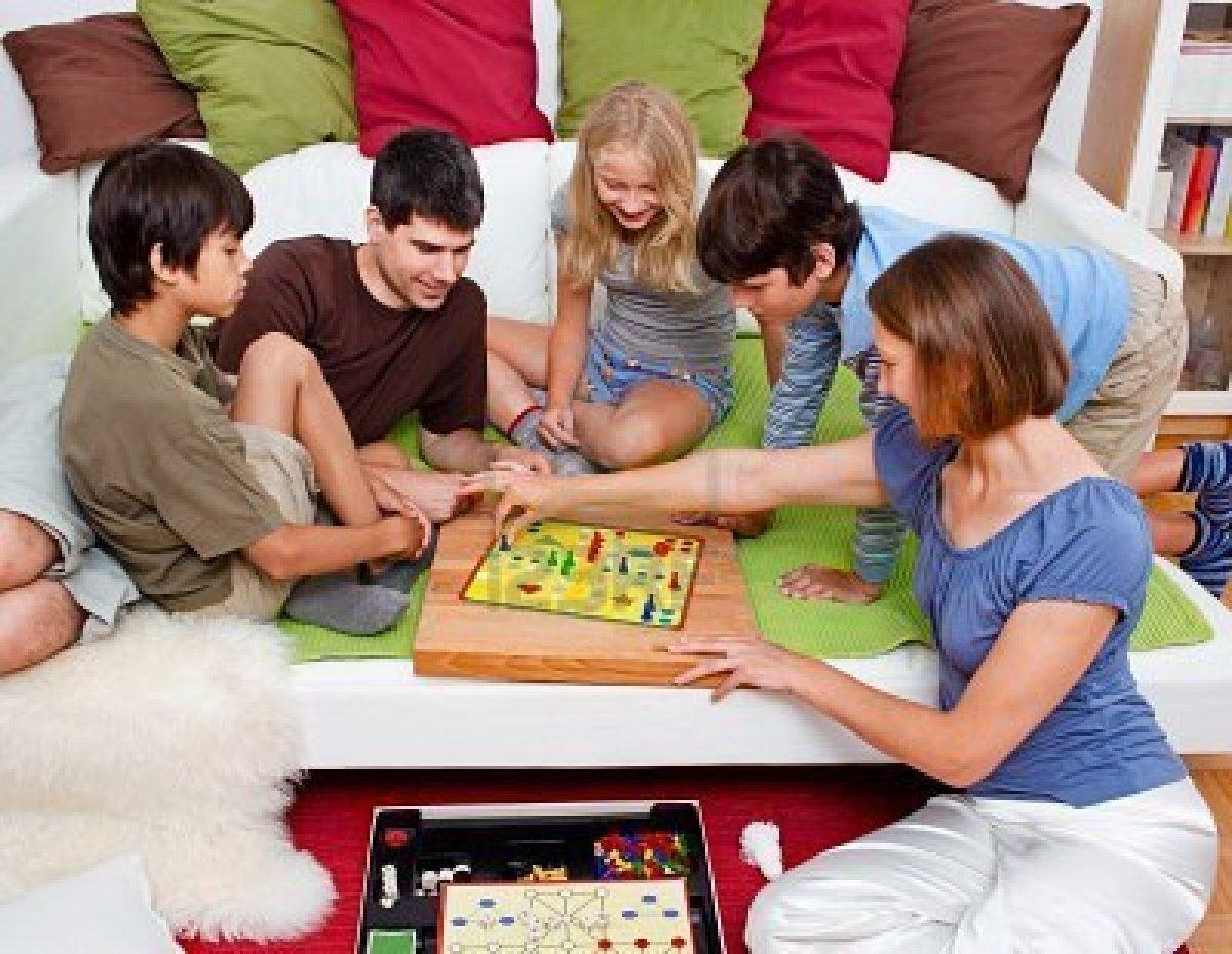 Playing tabletop games - Playing Board Games Together Every Family Should Do This