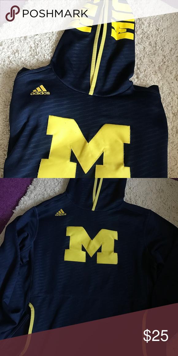 a4df989fcd78 Official Michigan Team Adidas Sweatshirt Super comfy