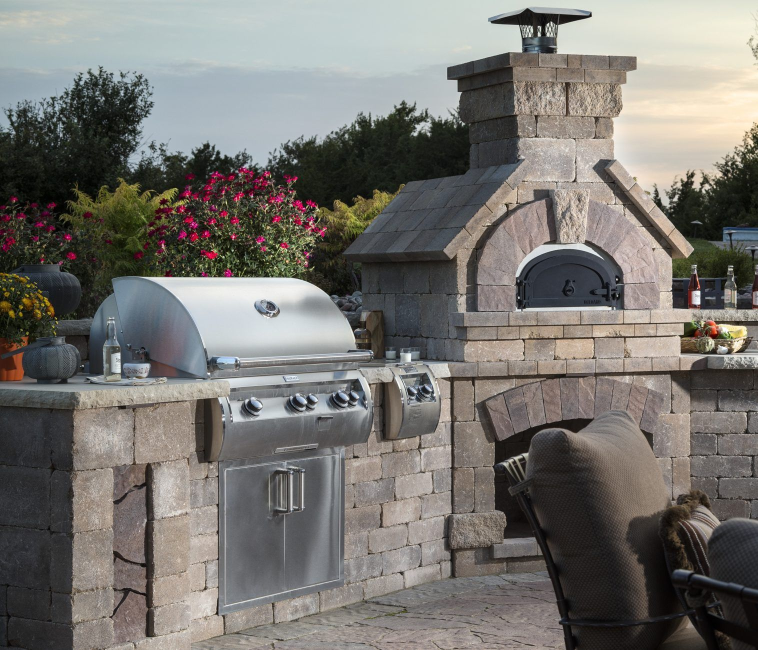 Restaurant Quality Food Made In The Comfort Of Your Own Backyard Outdoor Barbeque Outdoor Grill Island Outdoor Kitchen
