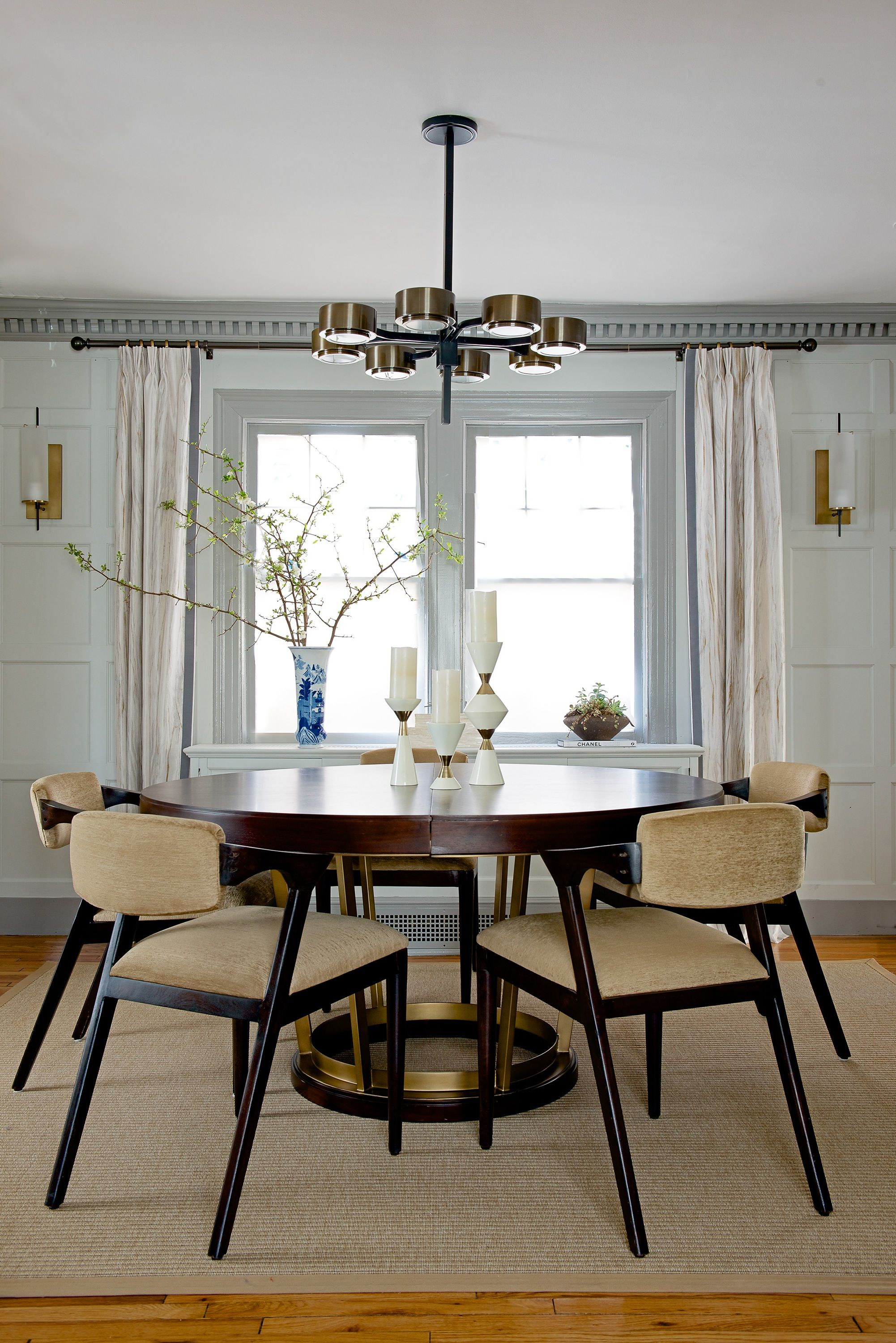 25 dining room design ideas featuring round tables round tables