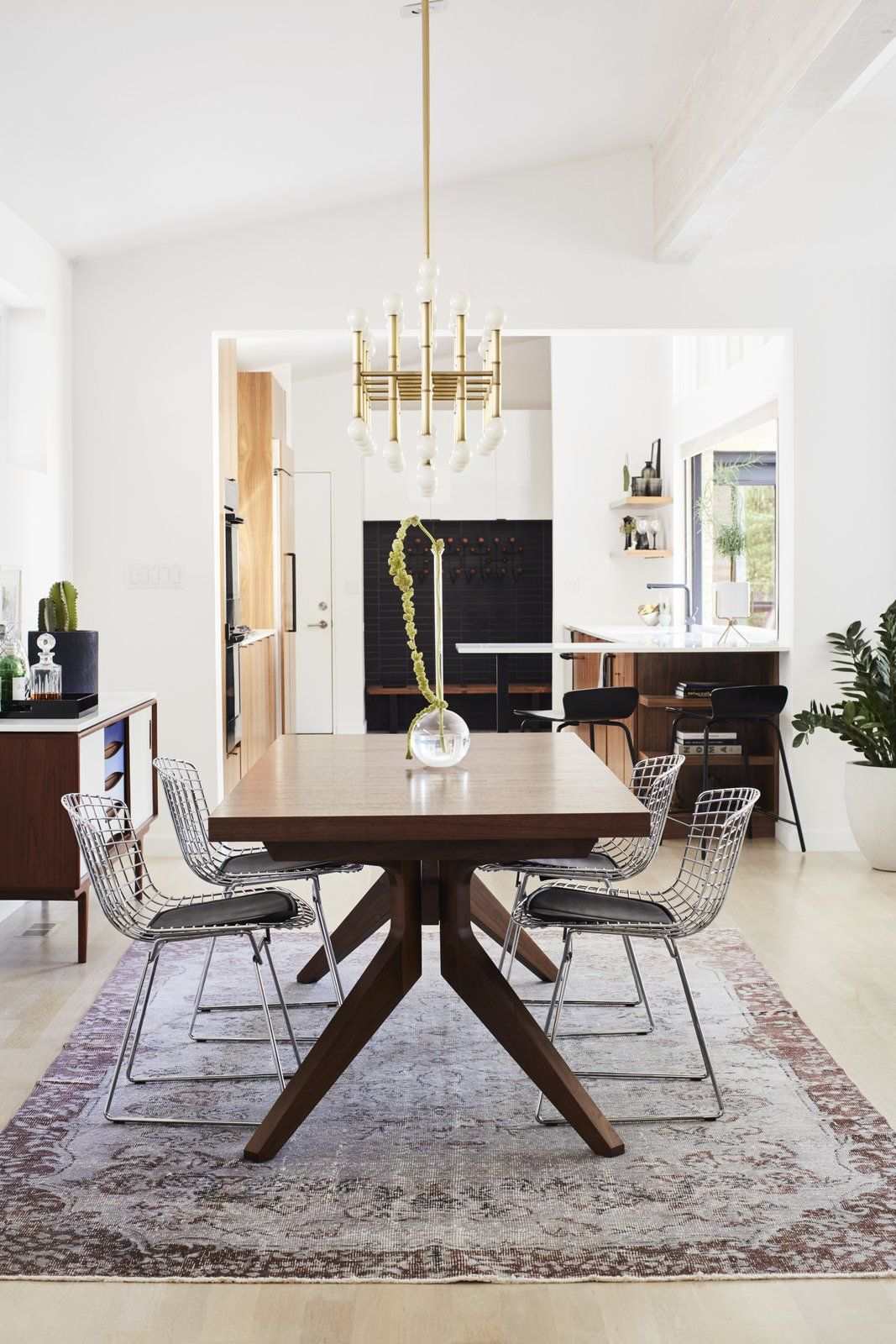 Midcentury Mashup: A 1950s Ranch House in Chicago Gets a ...