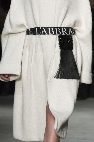 Alberto Zambelli at Milan Fashion Week Fall 2018 - Details Runway Photos