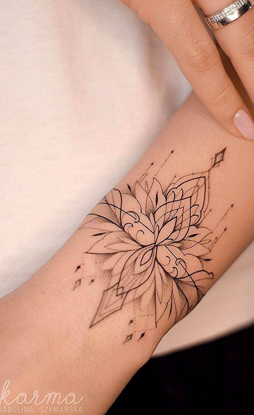 Wunderschöne und bedeutungsvolle Lotus-Tattoos, die Sie sofort lieben werden, #…