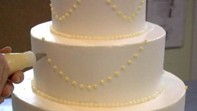 Piping Swag Decoration Make Your Own Wedding Cakes Vegan Wedding Cake Wedding Cake Piping