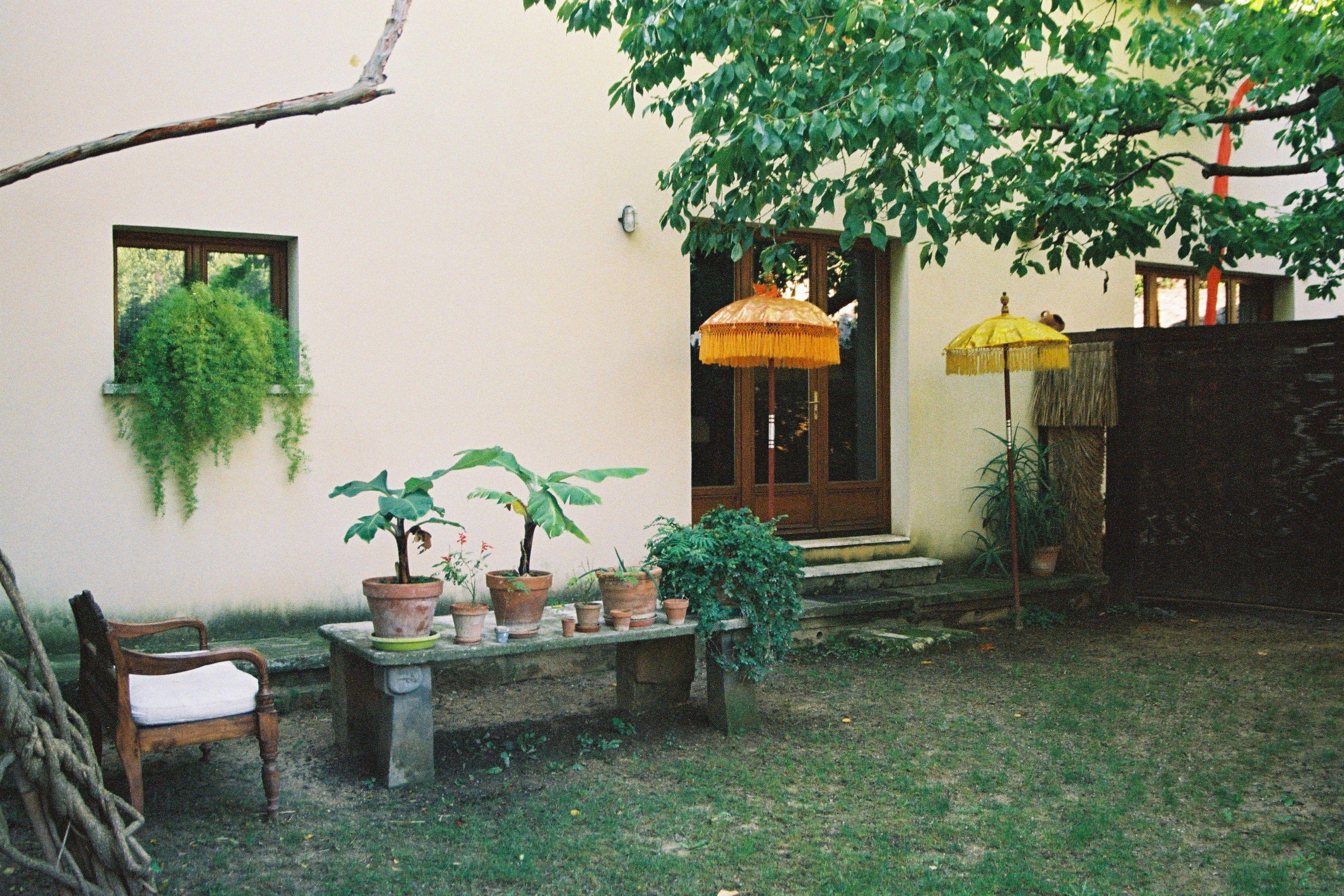 Vu des chambres d 39 hotes pas cher dans un jardin uz s - Chambre d hotes biarritz pas cher ...
