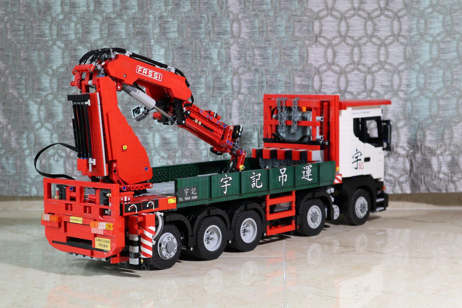 Entièrement neuf dans sa boîte LEGO TECHNIC Airport Rescue Vehicle 42068