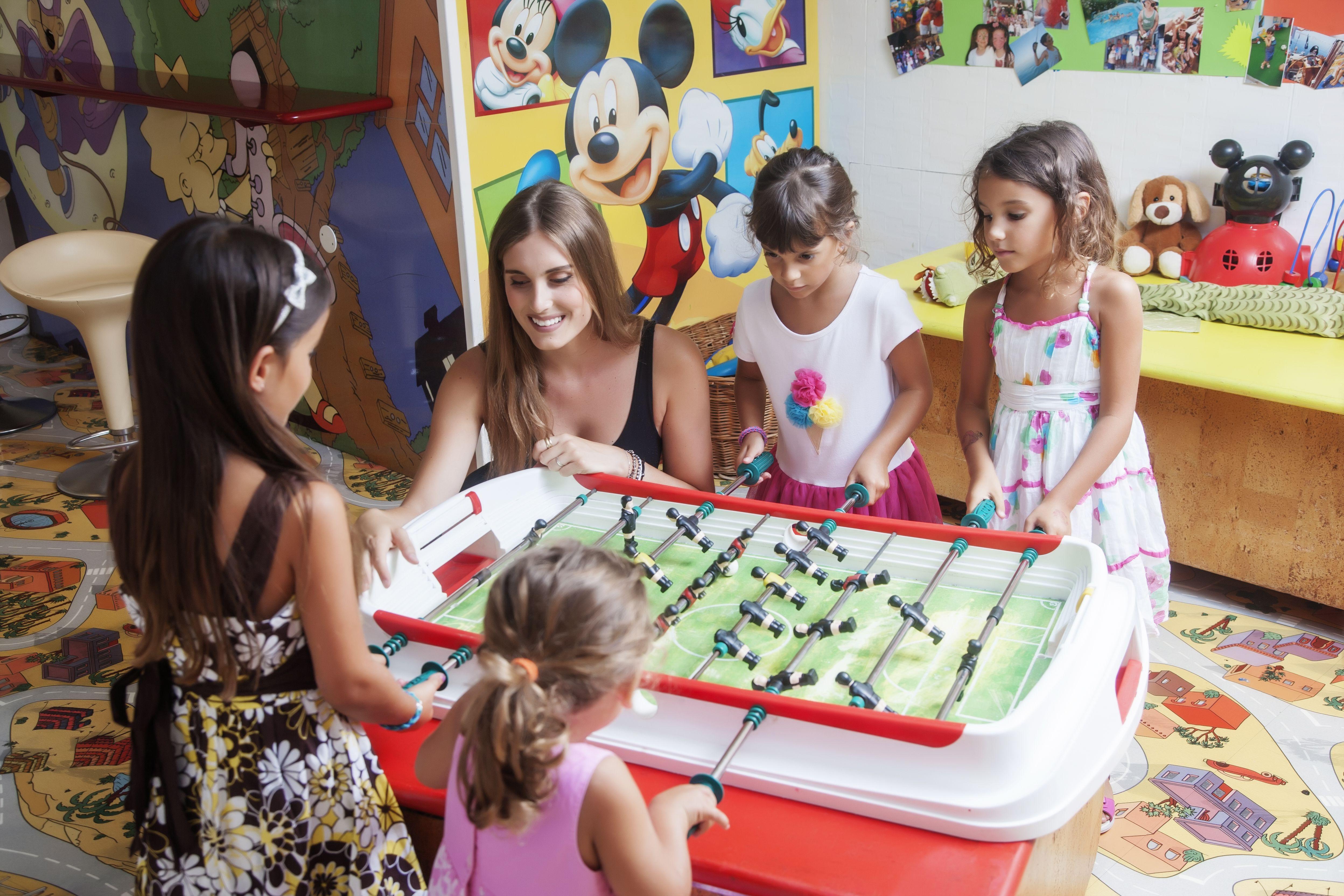 Bambini Simpatici ~ Hotel dory ha riservato u201cil paradiso dei bambiniu201d sorvegliato da