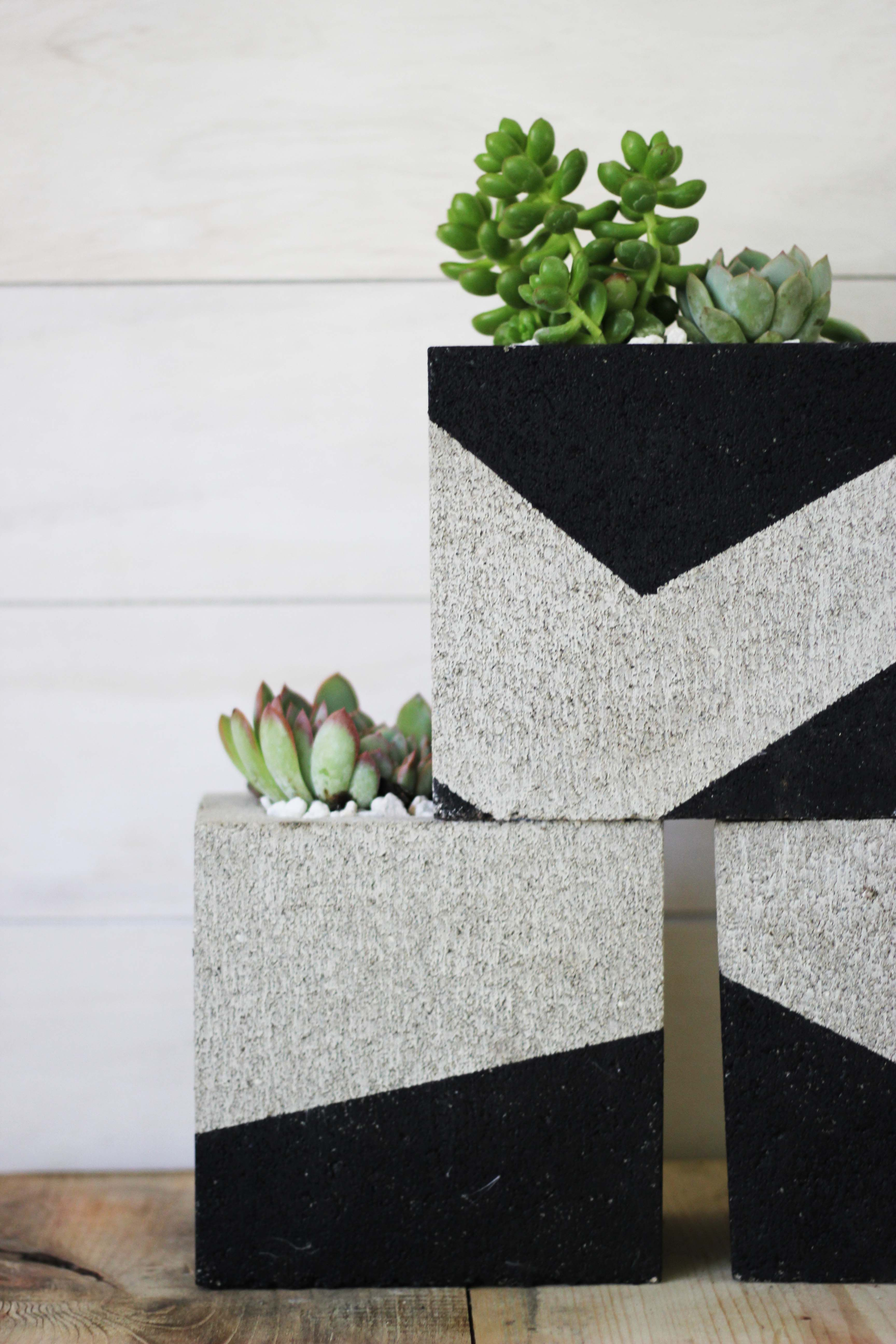 Diy painted cinder block planters for the home cinder - Painting cinder blocks for garden ...