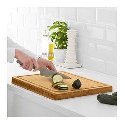 IKEA - APTITLIG, Hackblock, In der Saftrinne sammelt sich Flüssigkeit, die beim Schneiden von Fleisch oder Obst anfällt.Das Brett kann beidseitig benutzt und dank der schrägen Kanten leicht umgedreht werden.Passt als zusätzliche Arbeitsfläche über Becken der BOHOLMEN, BREDSKÄR und FYNDIG Spülen.Aus Bambus, einem pflegeleichten, robusten Naturmaterial, das gleichzeitig die Messerklingen schont.Das Gewicht sorgt für eine stabile Schneideunterlage.