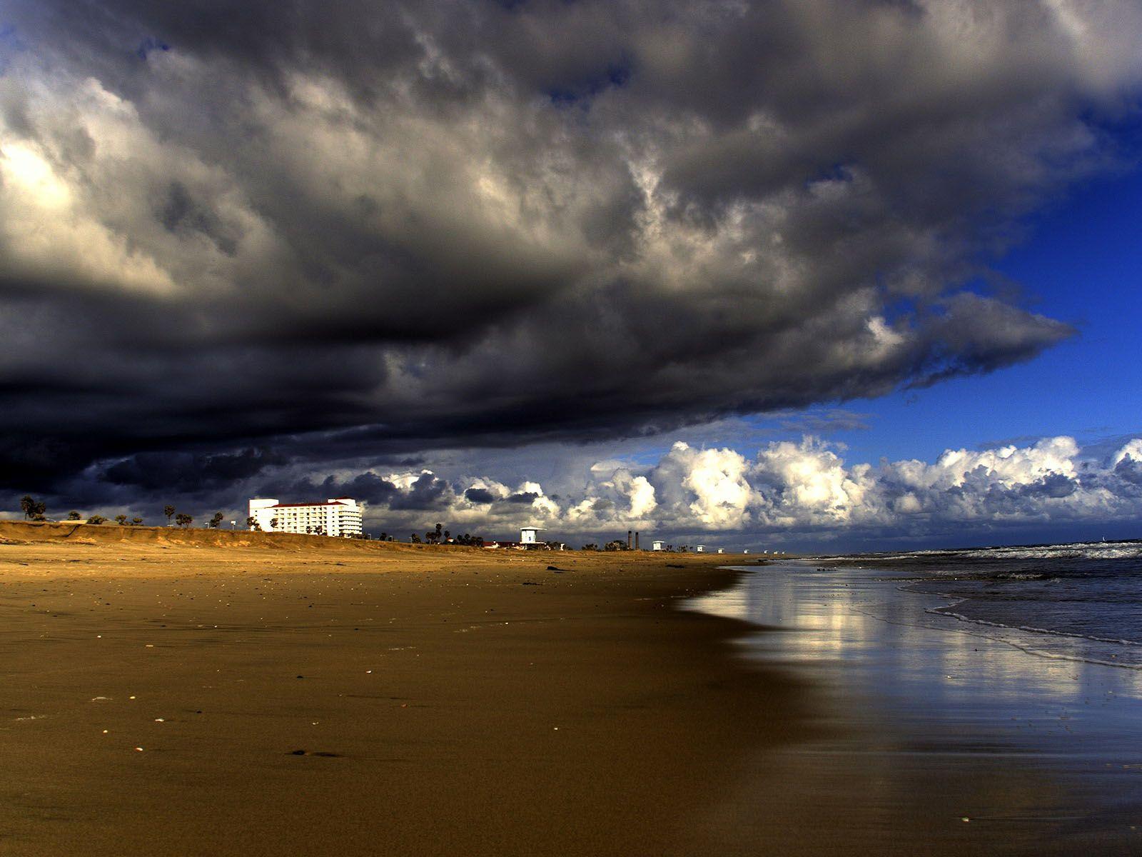 Beach Thunderstorm Wallpaper: ... Wallpaper, Apple Background Wallpapers