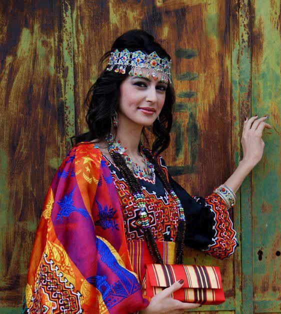 Robe kabyle traditionnelle rose
