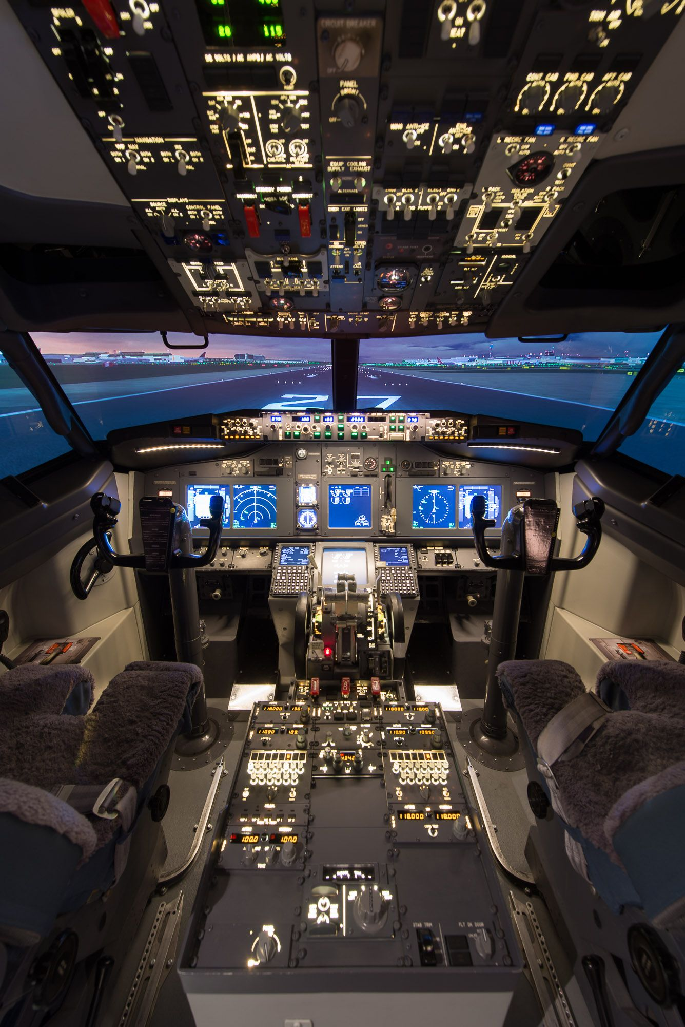 The Stunning Boeing 737 800 Flight Simulator Based At Cambridge