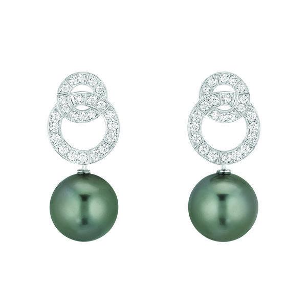Pendientes de la colección Les Perles de Chanel