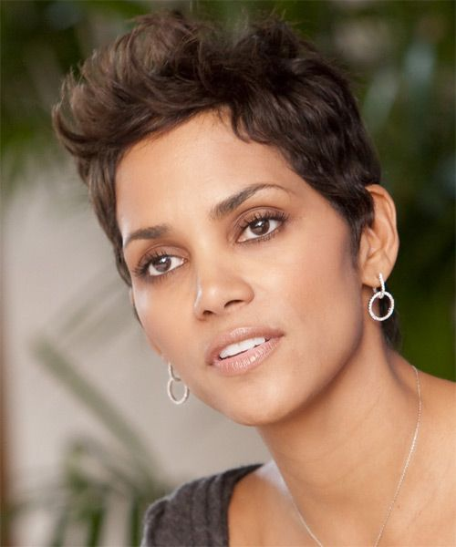 Halle Berry Short Straight Casual Hairstyle Chocolate Brunette