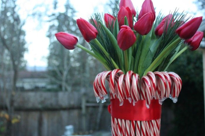 Here's An Easy DIY Holiday Decoration. Candy Cane Bouquet