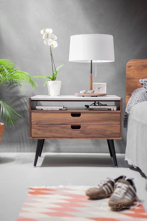 Mesita de noche con dos cajones en madera maciza de | muebles ...