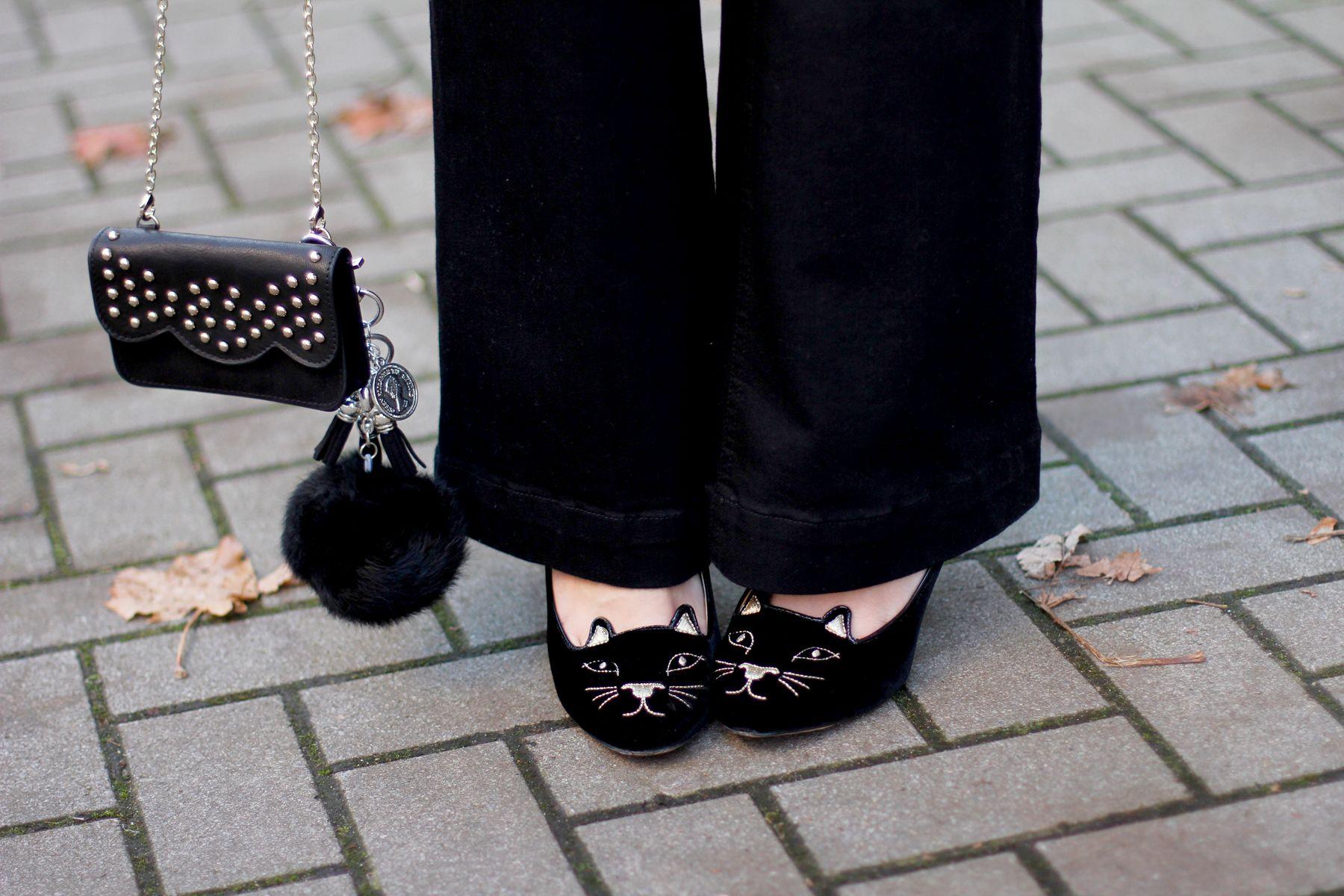 #BettyxLancaster #pompom #cat #bag #black #lancasterparis #lancaster (Pic by Cats & Dogs Blog)