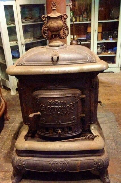 die klassischen kachelofen von castellamonte sind echte blickfanger, old vintage wood stove | herde,Öfen,kamine u.ä. | pinterest | ofen, Ideen entwickeln