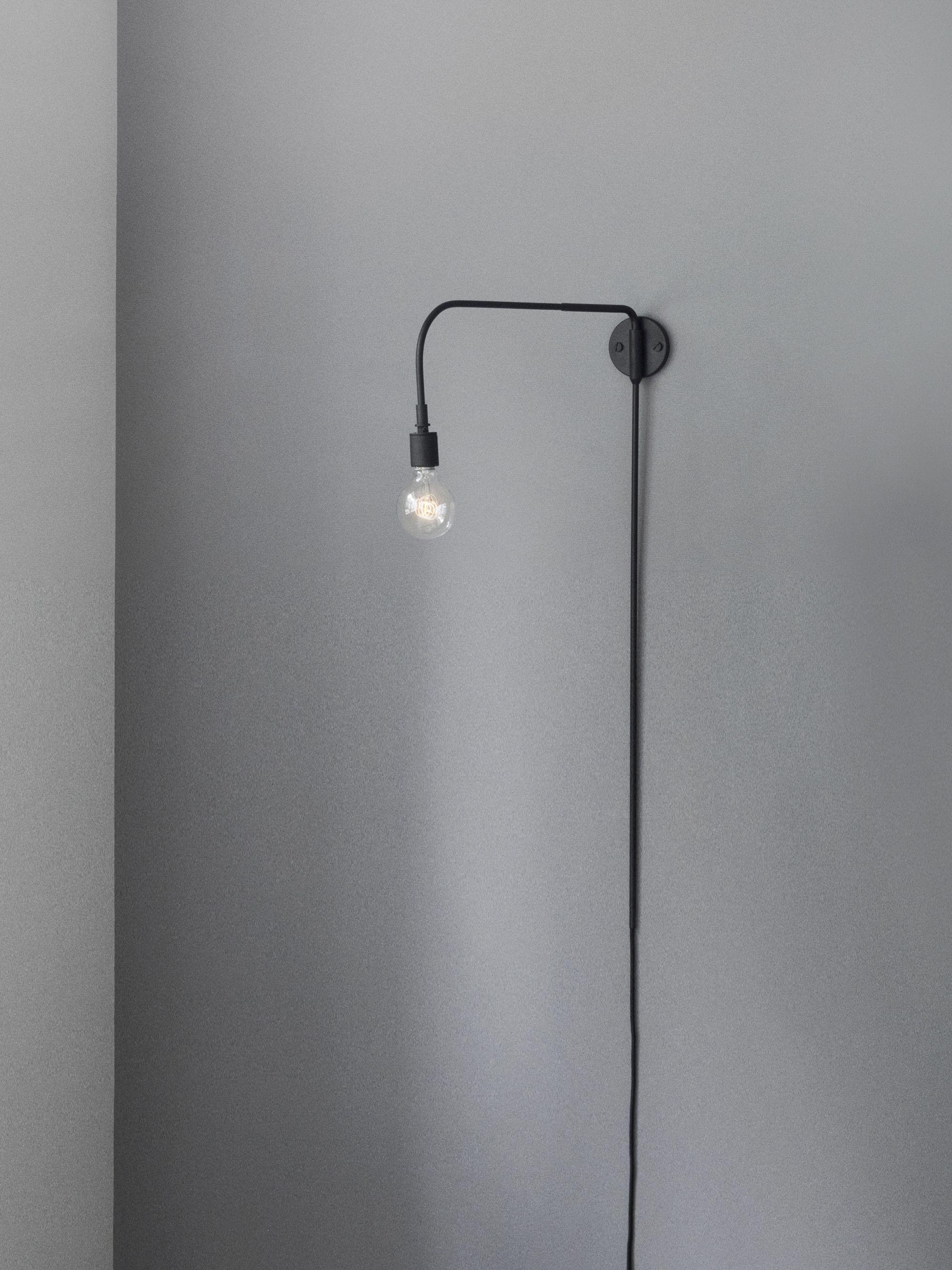 Warren vägglampa, design Søren Rose. Med inspiration från 30
