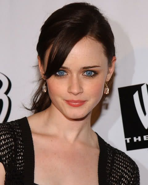Sara Paxton Gets My Vote To Play Anastasia Steele Brown Hair