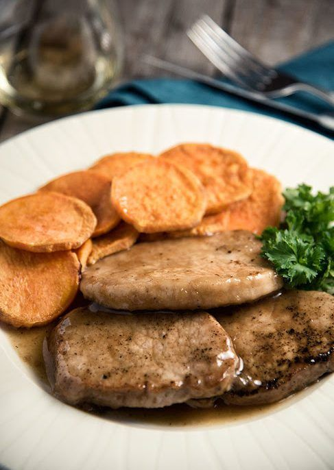 Old-Fashioned Slow Cooker Pork Chops http://www.recipes-fitness.com/old-fashioned-slow-cooker-pork-chops/