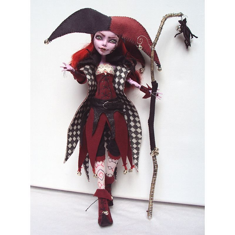 Two years ago I made this Jester. She was Monster High Operetta ...