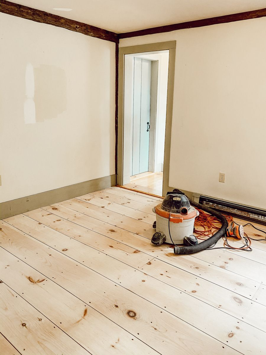Refurbished Softwood Pine Flooring In 2020 Creative Flooring Vintage Decor Pine Floors