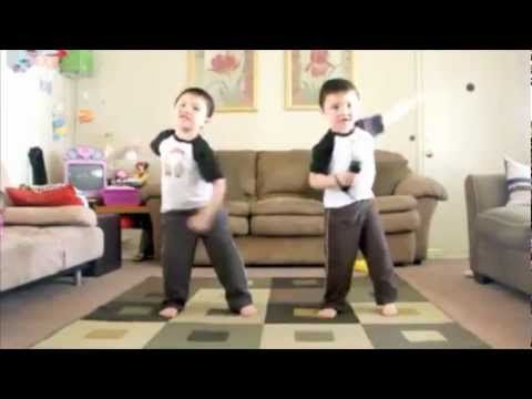 Getting Schooled by a Third Grader: Video Montage of Kids Using Technology  - YouTube
