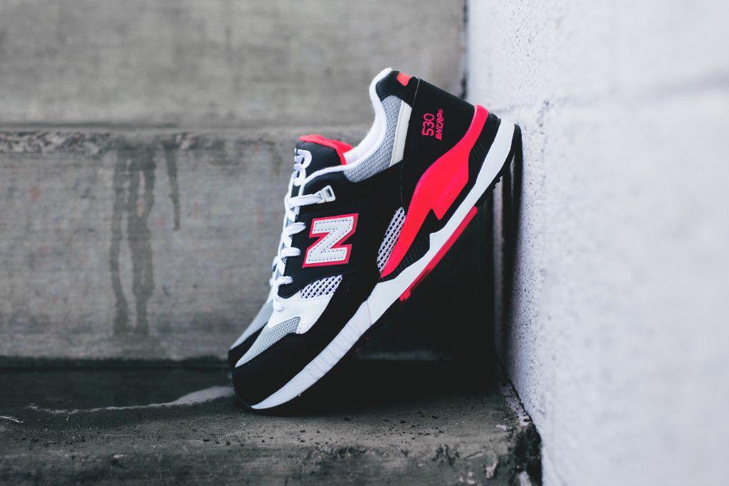 new balance black white & pink 530 trainers