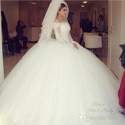 2015 hot fashion white ball gowns wedding dresses off the shoulder lace wedding gowns appliqued bridal dress lace free veil and petticoat
