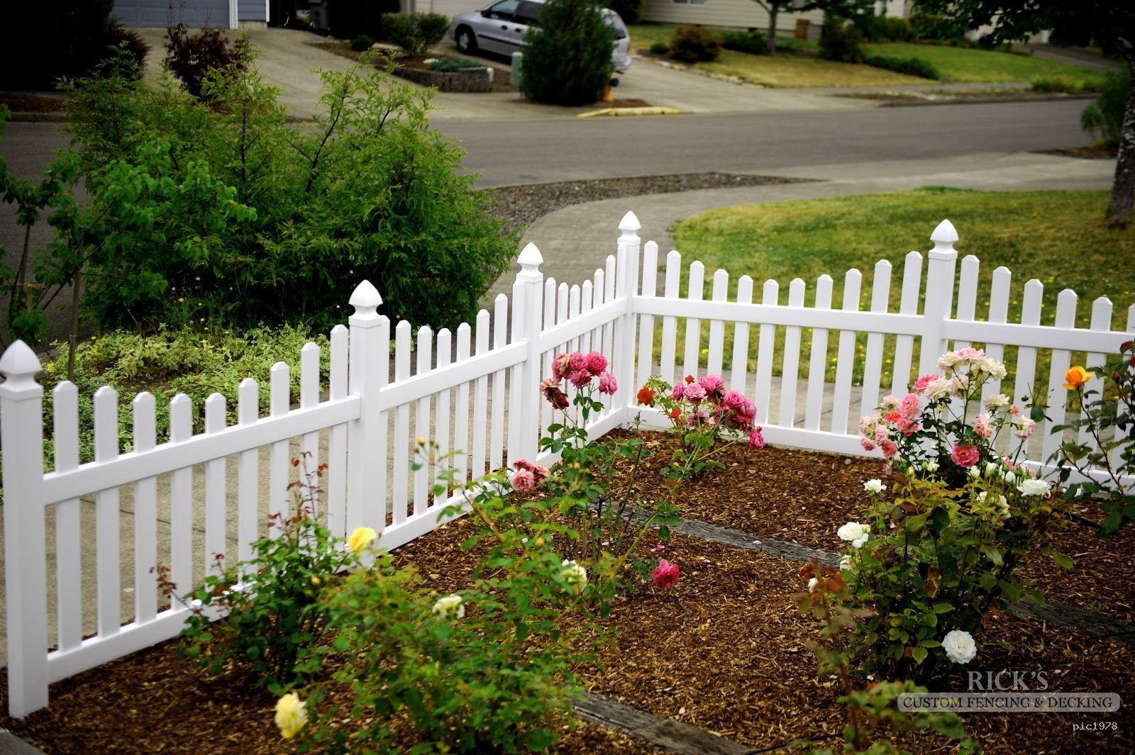 vinyl picket fence front yard. Vinyl Picket Fencing Is Like A Frame Around Your Yard. An Attractive Enhances The Beauty Of Artwork! Fence Front Yard