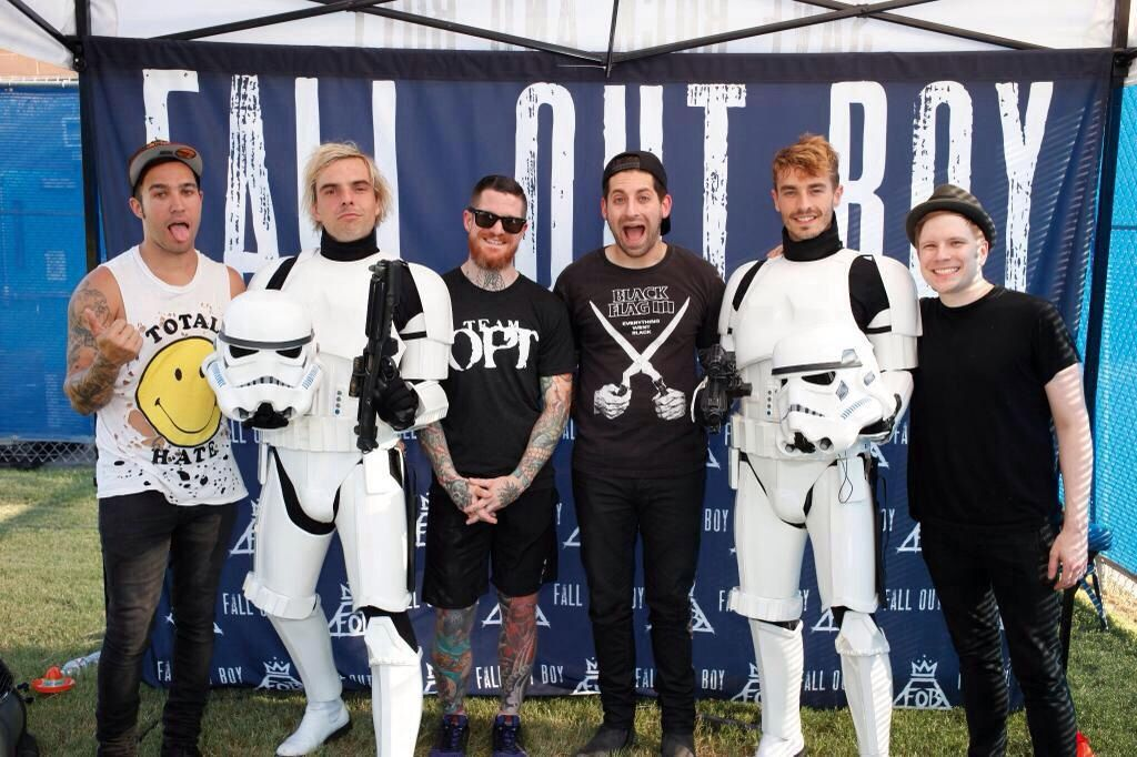 Freaking new politics crashed fobs meet and greet and its so perfect when new politics interrupted fall out boys meet and greet m4hsunfo Choice Image