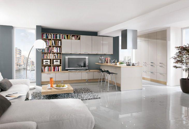 flie end geht in dieser wohnk che der wohnbereich in die k che ber die k cheninsel dient als. Black Bedroom Furniture Sets. Home Design Ideas