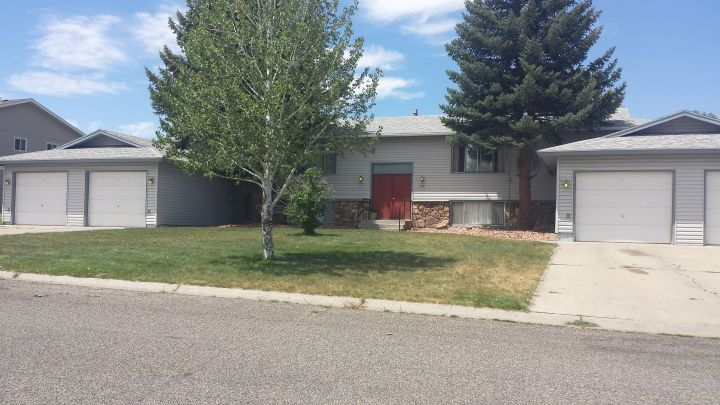 Heights 2 Bedroom With Garage Billings Mt Rentals 2 Bedroom 1