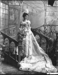 Victorian wedding dress (Consuelo Vanderbilt)   Vintage Clothing ...